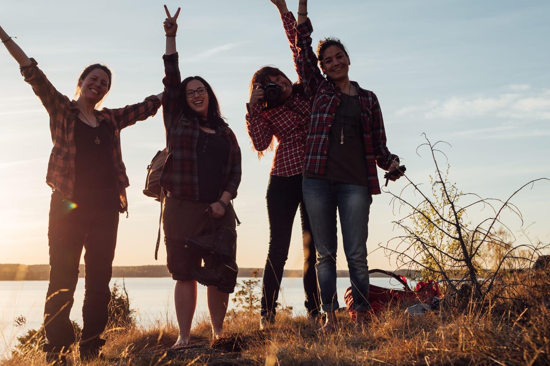Gruppbild Kvinnliga Äventyrare